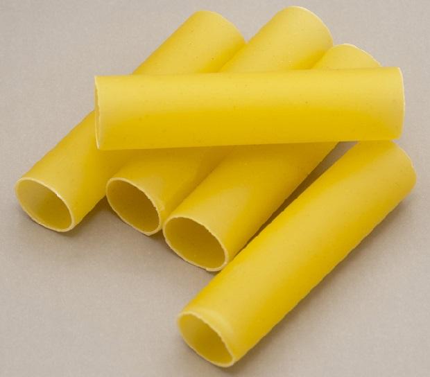 Cannelloni maken rollen pasta