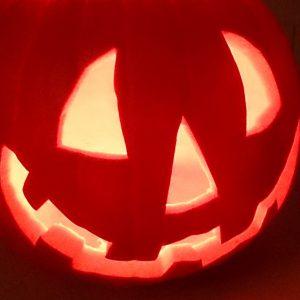 Halloween pompoen schuin