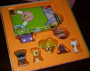 Inhoud doos, Woezel en Pip spelen tikkertje