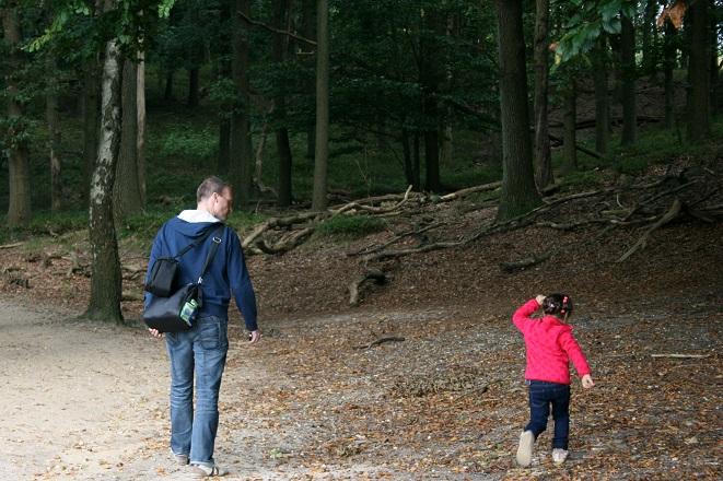 Paddenstoelen zoeken in het bos