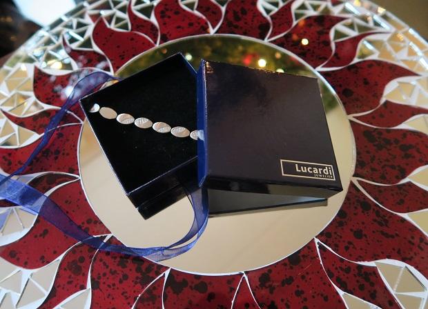 Sieraden van Lucardi, Armband